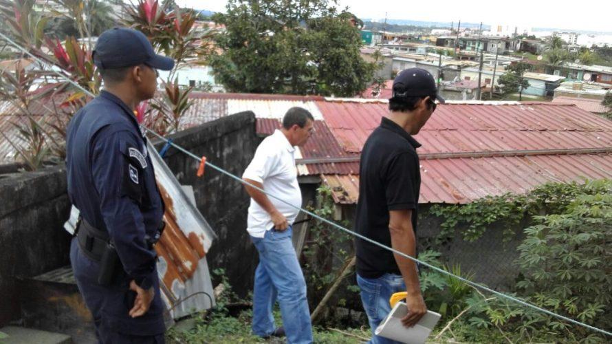 En Colón Evalúan a familias en peligro de deslizamientoen Villa del Caribe Autoridades de la Regional del Ministerio de Vivienda y Ordenamiento Territorial de Colón buscan alternativas para darle respuestas […]