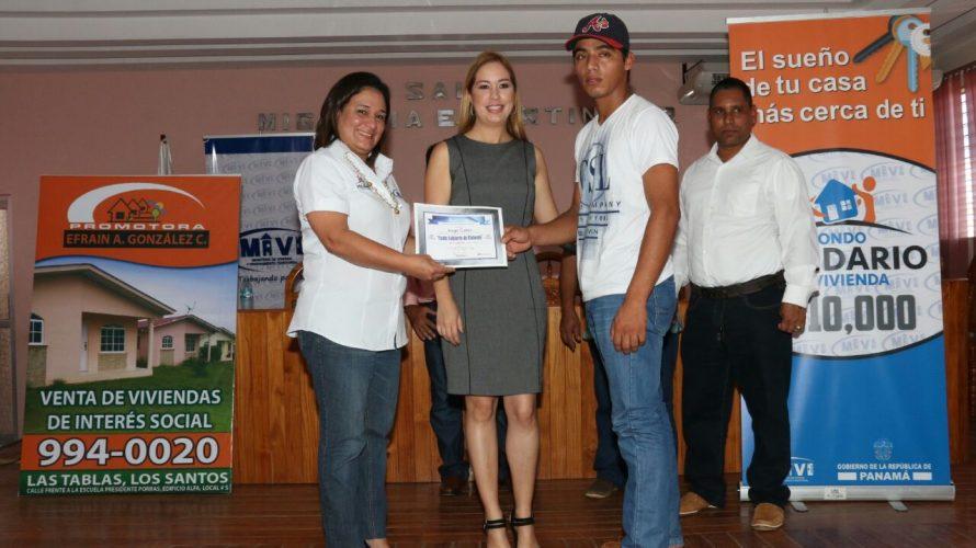 En Los Santos Miviot entrega 121 certificados de Bono Solidario para familias de Las Tablas y Guararé El Ministerio de Vivienda y Ordenamiento Territorial (Miviot) entregó este viernes un total […]