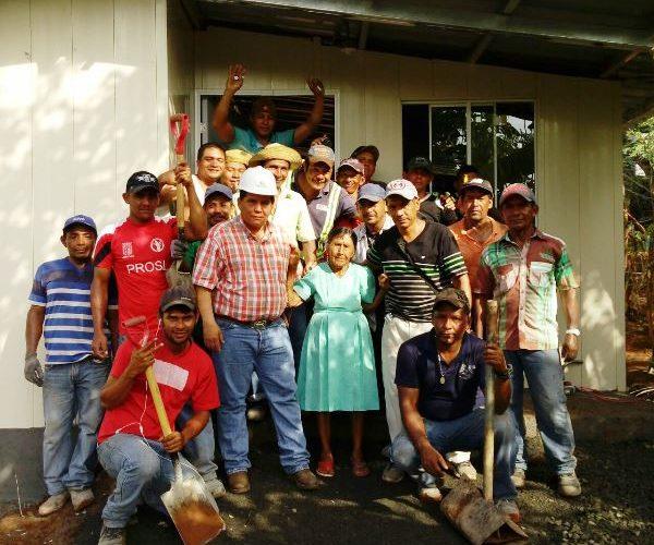 En Veraguas Familias cañaceñas se beneficiarán con construcción de veredas Unas 135 familias de escasos recursos que residen en calle Lourdes, en el distrito de Cañazas, provincia de Veraguas, se […]