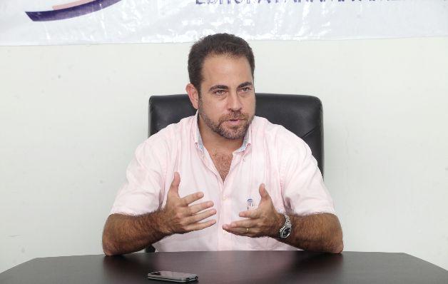 En reunión con ex trabajadores Ministro Etchelecu fija posición sobre contratos en Colón Luego de algunos incidentes reportados en la sede del Ministerio de Vivienda y Ordenamiento en Colón, el […]
