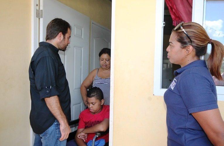 Familias vivían entre zinc viejo Ministro Etchelecu entrega casas en Chilibre de Techos de Esperanza Seis familias de las comunidades de Las Albinas y Los Lagos, en el corregimiento de […]