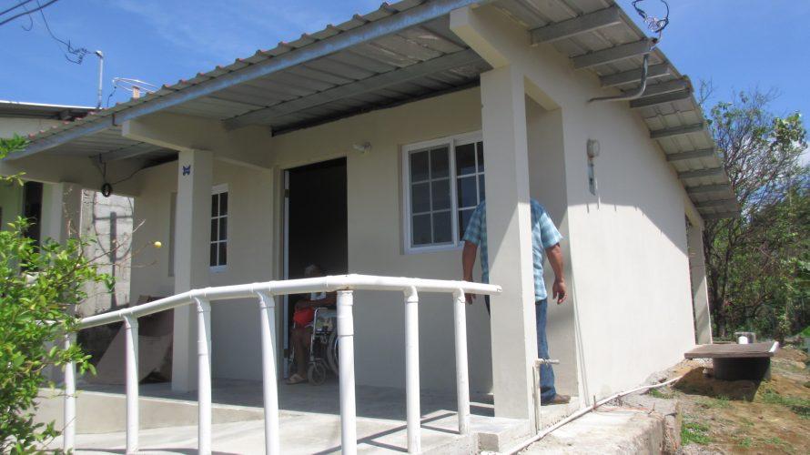 Casas entregadas a beneficiarios Más de 900 familias santeñas disfrutan de Techos de Esperanza Un total de 983 familias de la región santeña, han recibido las llaves de sus nuevas […]