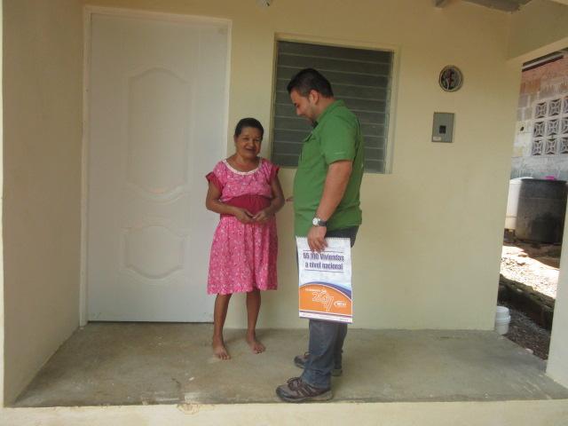 Programa de vivienda Techos de Esperanza impacta a 3 mil Herreranos Un total de 605 familias herreranas de los siete distritos que componenla provincia cuentan hoy con un techo digno […]
