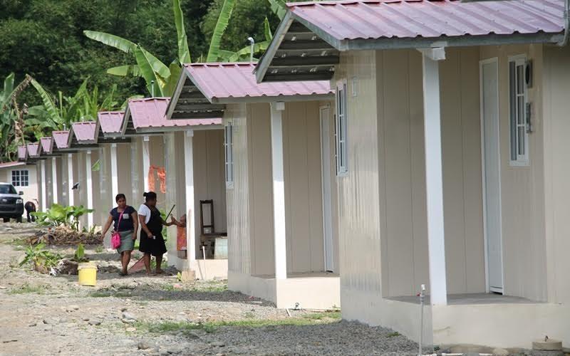 Vivían entre paredes de madera Más de 700 familias bocatoreñas cuentan con Techos de Esperanza Familias que por años vivieron entre paredes de madera en la provincia de Bocas del […]