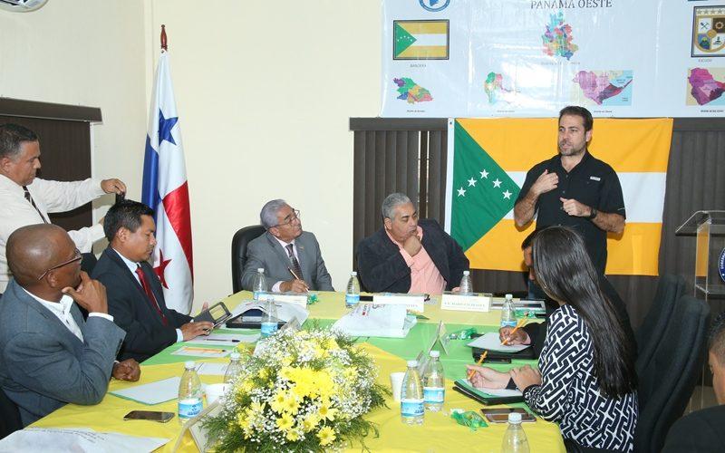 Habla de programas y proyectos Ministro Etchelecu se reúne con gobernadores en La Chorrera Con la finalidad de explicar los trabajos que se están realizando en cada provincia en materia […]