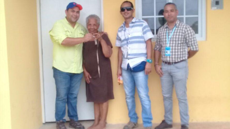 Continúa entrega de casas Techos de Esperanza llega a más comunidades de Herrera Un total de 170 herreranos cuentan hoy con una solución de vivienda del programa Techos de Esperanza […]