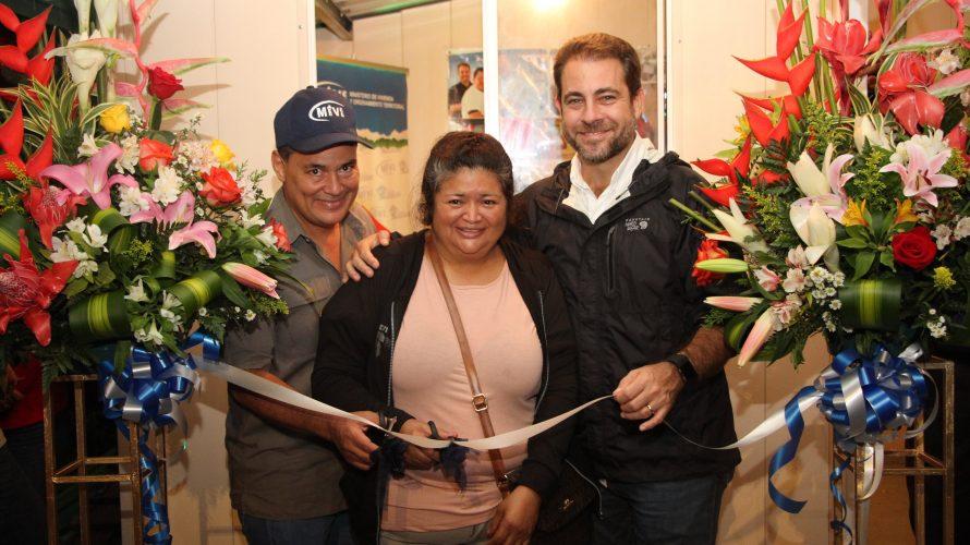 Para alcanzar más beneficiarios  Miviot promueve programas y proyectos en feria de las Flores y el Café en Boquete Para presentar los proyectos habitacionales en Chiriquí y orientando alos […]
