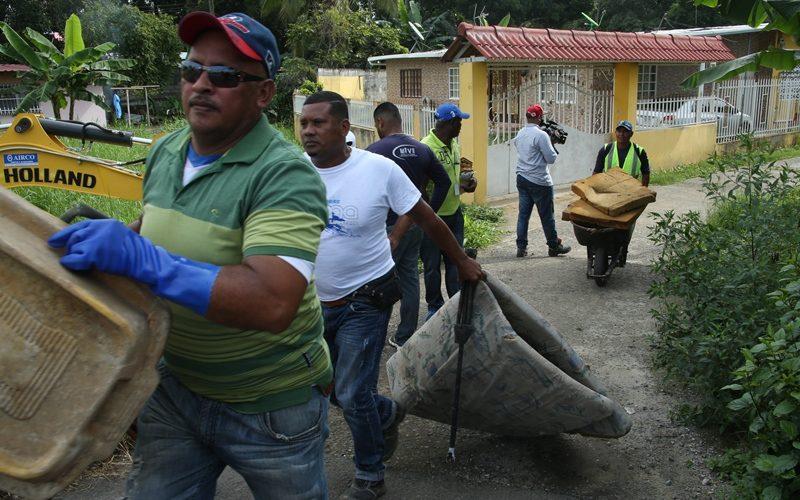 En distrito de Arraiján Programan jornada de limpieza en barriada Valle Hermoso Una jornada de limpieza, que abarca cunetas, herbazales y recolección de chatarra, realizará próximamente personal del Ministerio de […]